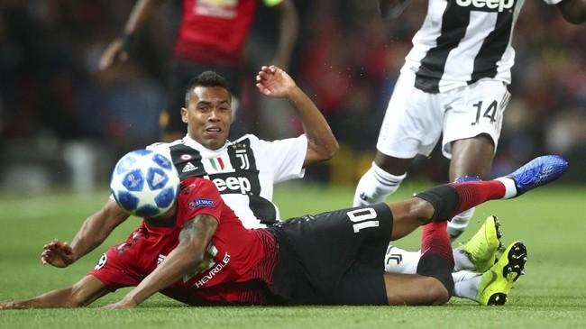 Upaya keras Manchester United menembus pertahanan Juventus mengalami kegagalan. Lini belakang La Vecchia Signora mampu meredam agresivitas pemain The Red Devils. (REUTERS/Hannah McKay)