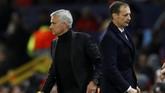 Jose Mourinho dan Massimiliano Allegri meraih hasil berbeda dalam tiga laga Liga Champions. Mourinho meraih satu kemenangan, satu kali seri dan sekali kalah. Sementara Allegri membukukan tiga kemenangan. (Action Images via Reuters/Jason Cairnduff)