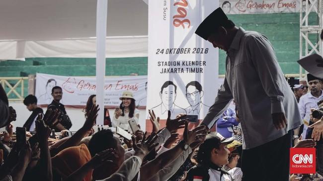 Revolusi Putih adalah gerakan memberikan susu kepada masyarakat. Hal itu dilakukan dalam rangka mencerdaskan masyarakat Indonesia. (CNN Indonesia/Adhi Wicaksono)