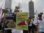 Buruh Demo di depan Kemnaker, Minta UMP Naik Hingga 30%
