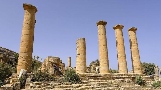 Reruntuhan kota kuno itu diketahui berusia 2.600 tahun dan sempat menjadi daya tarik bagi wisatawan.(REUTERS/Esam Omran Al-Fetori)