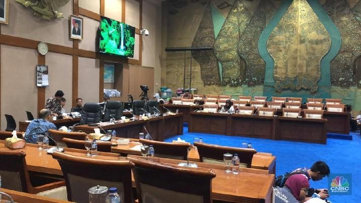 Rapat soal harga bbm antara Jonan dan DPR makin panas, Gerindra putuskan walk out
