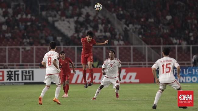 Timnas Indonesia U-19 bermain agresif sejak menit awal demi mengemas kemenangan atas wakil Asia Barat. (CNN Indonesia/ Hesti Rika)