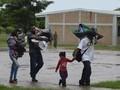 FOTO: Kesibukan Warga Meksiko Hadapi Badai Willa