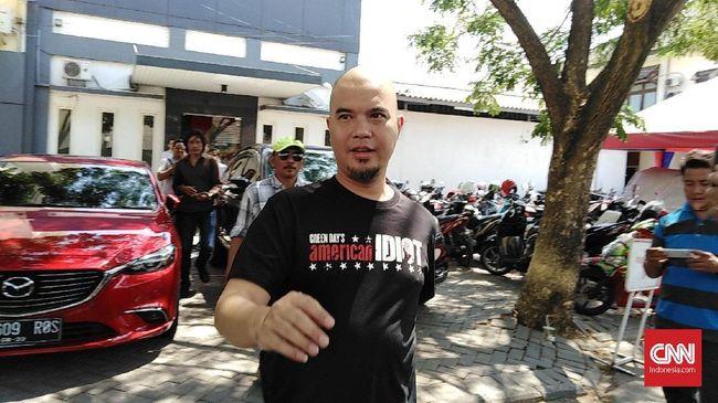 Penuhi Panggilan Polisi, Ahmad Dhani Sindir Proses Hukum Ahok