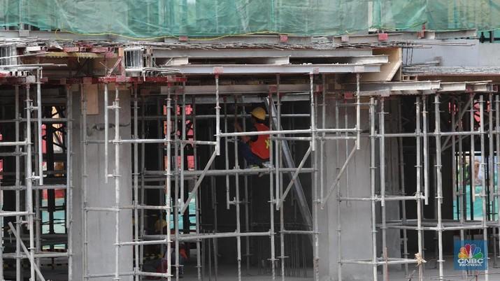 Proyek 6 ruas tol dalam kota Jakarta yang ditolak-tolak oleh beberapa gubernur, akhirnya tetap jalan.