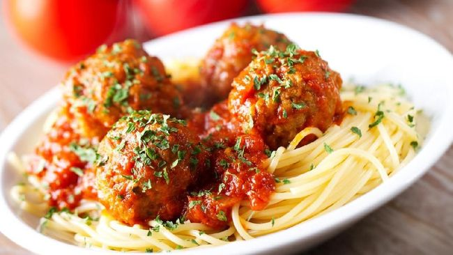 Resep Lezat Spaghetti Meatball Klasik