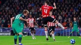 Lloris Kartu Merah, Tottenham vs PSV 2-2 di Liga Champions