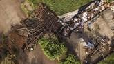 Pemandangan udara dari sebuah gereja yang hancur diterjang badai Willa(Photo by RASHIDE FRIAS / AFP)