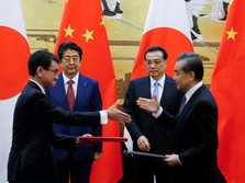 China & Jepang Teken Bilateral Currency Swap Rp 439 T