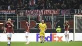 Kekalahan 1-2 dari Real Betis membuat AC Milan kini berada di posisi dua klasemen Grup F Liga Europa dengan enam poin, tertinggal satu poin dari Real Betis. (REUTERS/Daniele Mascolo)