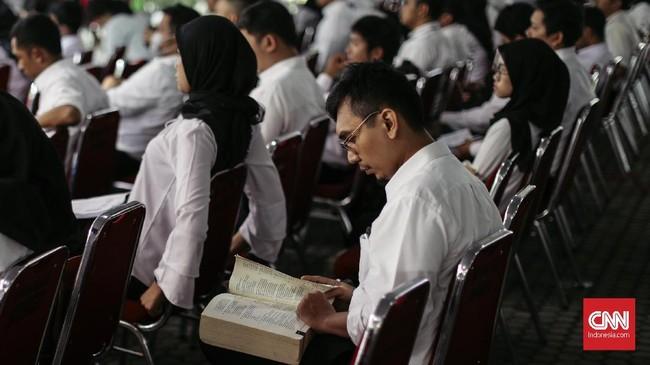 Seleksi kompetesi dasar CPNS ini akan berlangsung lima sesi dalam sehari yakni, pukul 08.00-09.30, pukul 10.00-11.30, pukul 12.00-13.30, pukul 14.00-15.30, pukul 16.00- 17.30, dan sesi terakhir pukul 18.00-19.30 waktu setempat.(CNN Indonesia/Adhi Wicaksono)