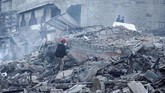 Sebelum terjadi aksi berbalas roket ini, terjadi bentrokan di perbatasan Israel yang menewaskan lima warga Palestina, dan meningkatkan tensi antar Israel-Palestina. (Photo by MAHMUD HAMS / AFP)