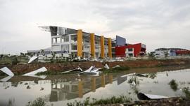 FOTO: Jakabaring Sport City Rusak Diterjang Puting Beliung