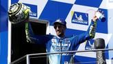Pebalap Suzuki Andrea Iannone sukses meraih podium keempatnya di MotoGP 2018 setelah finis di belakang Maverick Vinales. (REUTERS/Brandon Malone)