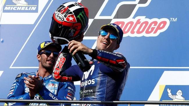 Kemenangan Maverick Vinales membuat Yamaha mengakhiri pacelik kemenangan di ajang MotoGP. Sebelumnya, kemenangan terakhir Yamaha terjadi di MotoGP Belanda, 25 Juni 2017. (REUTERS/Brandon Malone)