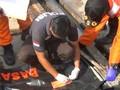 VIDEO: Basarnas Evakuasi Sejumlah Jenazah dan Puing Pesawat