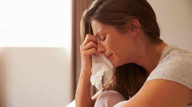 Menangis Seminggu Sekali Bikin Hidup Bebas Stres