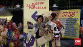 Naskah Misteri Sang Pangeran ini ditulis dan disutradarai oleh Agus Noor yang mengambil bentuk serta spirit teater rakyat dan kisah yang ditampilkan diolah dari khasanah cerita rakyat Indonesia yang telah banyak berkembang. Harapnya, masyarakat dapat memetik hikmah dan kebajikan untuk melihat situasi pada hari ini.