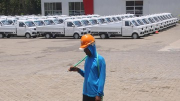 Petugas Minta Wartawan Hapus Foto Pabrik Esemka