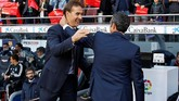 Setelah kembali ke jalur kemenangan saat mengalahkan Viktoria Plzen di Liga Champions pada 23 Oktober, Real Madrid kemudian menghadapi Barcelona di Camp Nou, 28 Oktober, yang menjadi pertandingan terakhir Julen Lopetegui. (REUTERS/Paul Hanna)