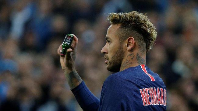 Suarez Penasaran Alasan Neymar Sering Ganti Gaya Rambut
