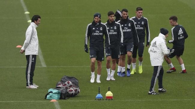 Sebelum menghadapi Melilla, Madrid mengalami kekalahan 1-5 dari Barcelona di ajang liga Spanyol 2018/2019. (REUTERS/Susana Vera)