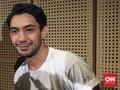 Dua Pahlawan Film Versi Reza Rahadian