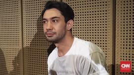 Tangis Reza Rahadian Pecah Saat Kunjungi Rumah Habibie
