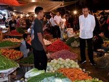 Malam Malam, Jokowi ke Pasar untuk Cek Harga Pangan