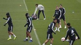Pemain-pemain top Madrid seperti Gareth Bale dan Toni Kroos menjalani latihan di Valdebebas jelang pertandingan menghadapi Melilla. (REUTERS/Susana Vera)