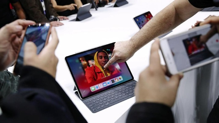 Perhatian! MacBook Pro Dilarang Masuk Pesawat Garuda