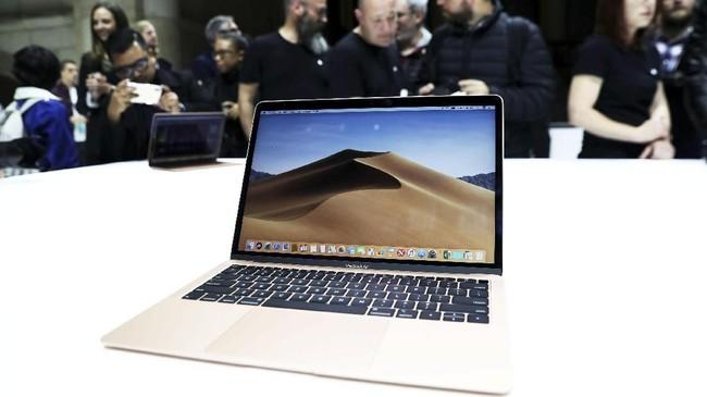 MacBook Air terbaru tak lagi memiliki tepian aluminium yang sama lagi. Tepian itu sempat menjadi ciri khas Apple. (REUTERS/Shannon Stapleton)