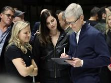Dapat Bonus Saham Apple, Tim Cook Bakal Jadi Crazy Rich Dunia