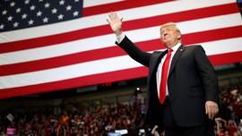 Pakai Dasi 'Kedodoran', Trump Merasa Lebih Langsing