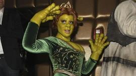Halloween, Heidi Klum Berubah Jadi Istri Shrek