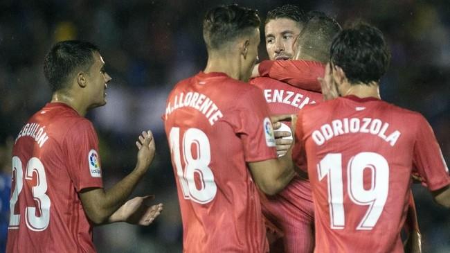 Setelah meraih kemenangan atas Melilla, Madrid akan menjamu Real Valladolid dalam lanjutan liga Spanyol 2018/2019, Sabtu (3/11). (JORGE GUERRERO / AFP)