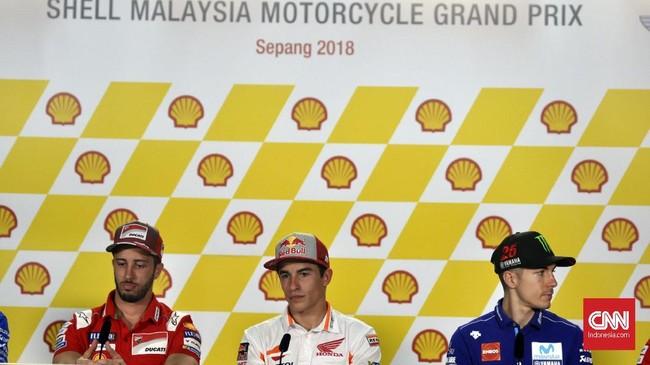 Andrea Dovizioso, Marc Marquez, dan Maverick Vinales dalam konferensi pers di Sirkuit Sepang. (CNN Indonesia/Haryanto Tri Wibowo)