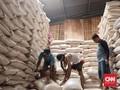 Darmin Dorong Bulog Operasi Pasar Hingga 15 Ribu Ton per Hari