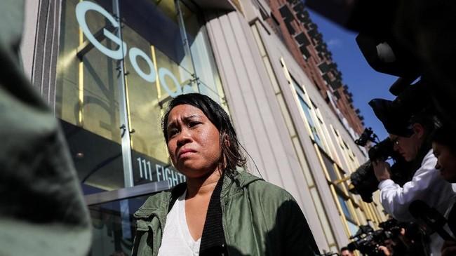 Pusat aksi terjadi pada kantor Google di New York karena hasil investigasi New York Times terkait pelecehan seksual. (REUTERS/Jeenah Moon)
