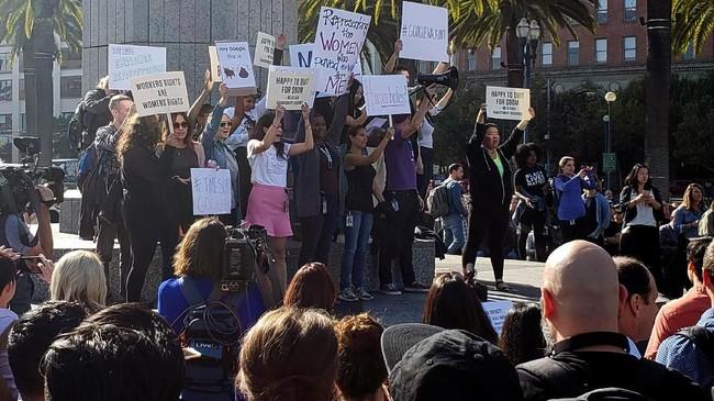 Demonstrasi juga dilaporkan terjadi kantor perusahaan Singapura dan Tokyo. (REUTERS/Paresh Dave)