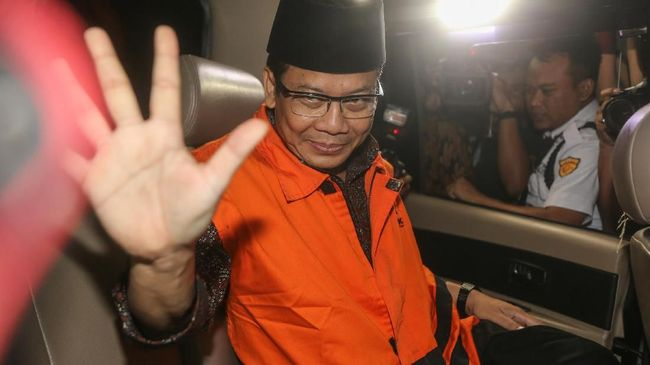 KPK Periksa Dua Anggota DPR Terkait Kasus Suap Dana Kebumen
