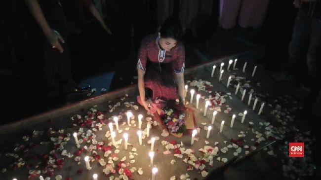 VIDEO: Aksi Seribu Lilin Untuk Insiden Lion Air JT-610