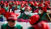 Di hari terakhir 3 ribu orang pun terlibat dalam pembuatan kimchi untuk pemecahan rekor dunia Guinness World Record. Rekor saat ini yang masih tercatat adalah rekor tahun 2013 dengan 2.635 orang.(REUTERS/Kim Hong-Ji)