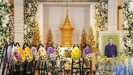 Ratusan Pengunjung Hadiri Upacara Pemakaman Vichai