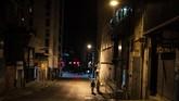 Tak ada pula keramaian di Lebertador Avenue, di antara bagian timur dan barat Caracas dan distrik kelas pekerja La Candelaria di pusat kota. (Photo by RONALDO SCHEMIDT/AFP)