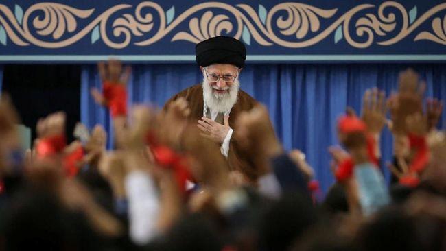 Khamenei Ampuni 691 Napi Iran saat Idul Fitri
