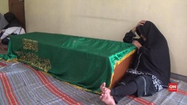 VIDEO: Duka Keluarga Penyelam Relawan Lion Air yang Gugur