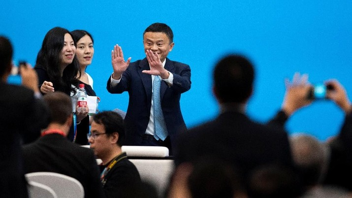 Jack Ma, CEO of Alibaba, arrives for a forum of the first China International Import Expo (CIIE) in Shanghai on November 5, 2018. Matthew Knight/Pool via REUTERS