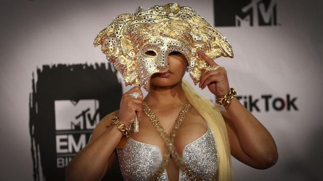 Kena Ledek, Nicki Minaj Batalkan Manggung